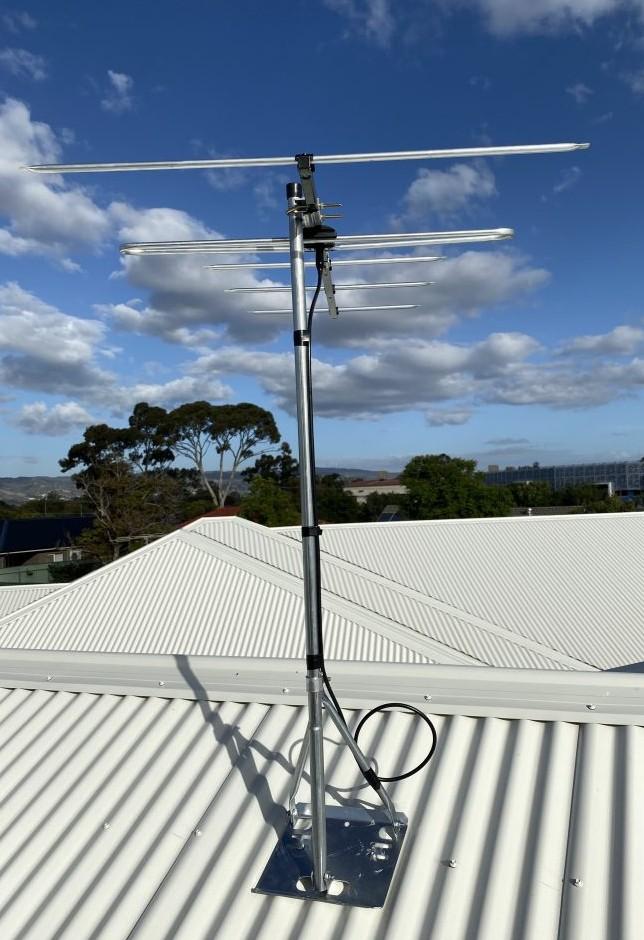 Digital antenna and mount in Greenacres