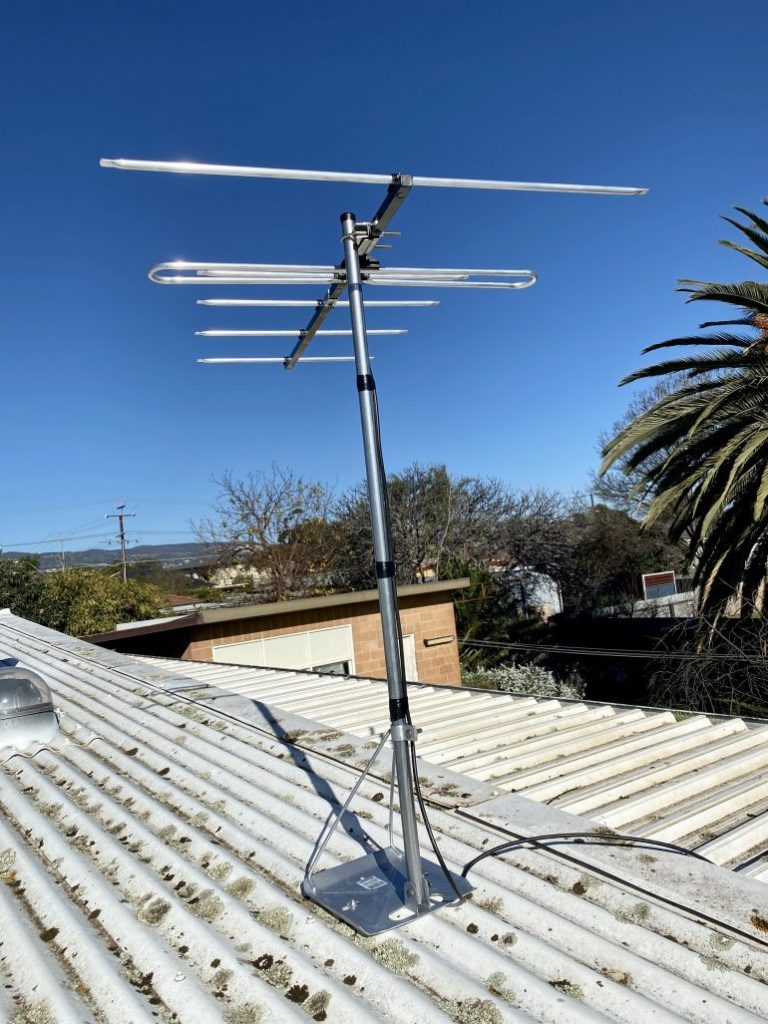 Digital antenna to replace old analogue antenna in Paradise