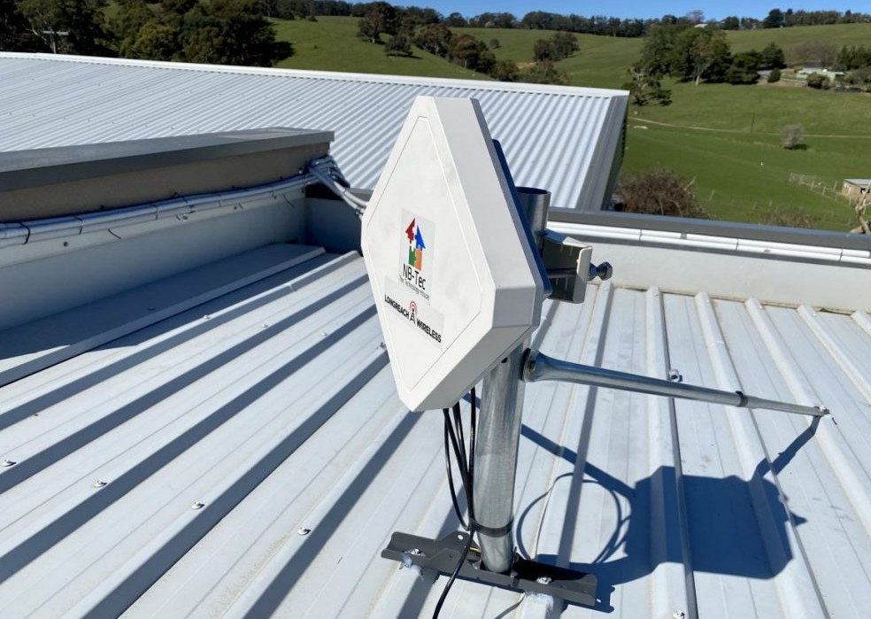 Wireless internet panel for connection over long distances Adelaide Hills
